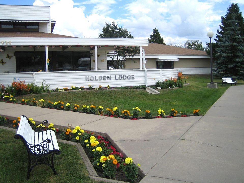 Holden Lodge outside