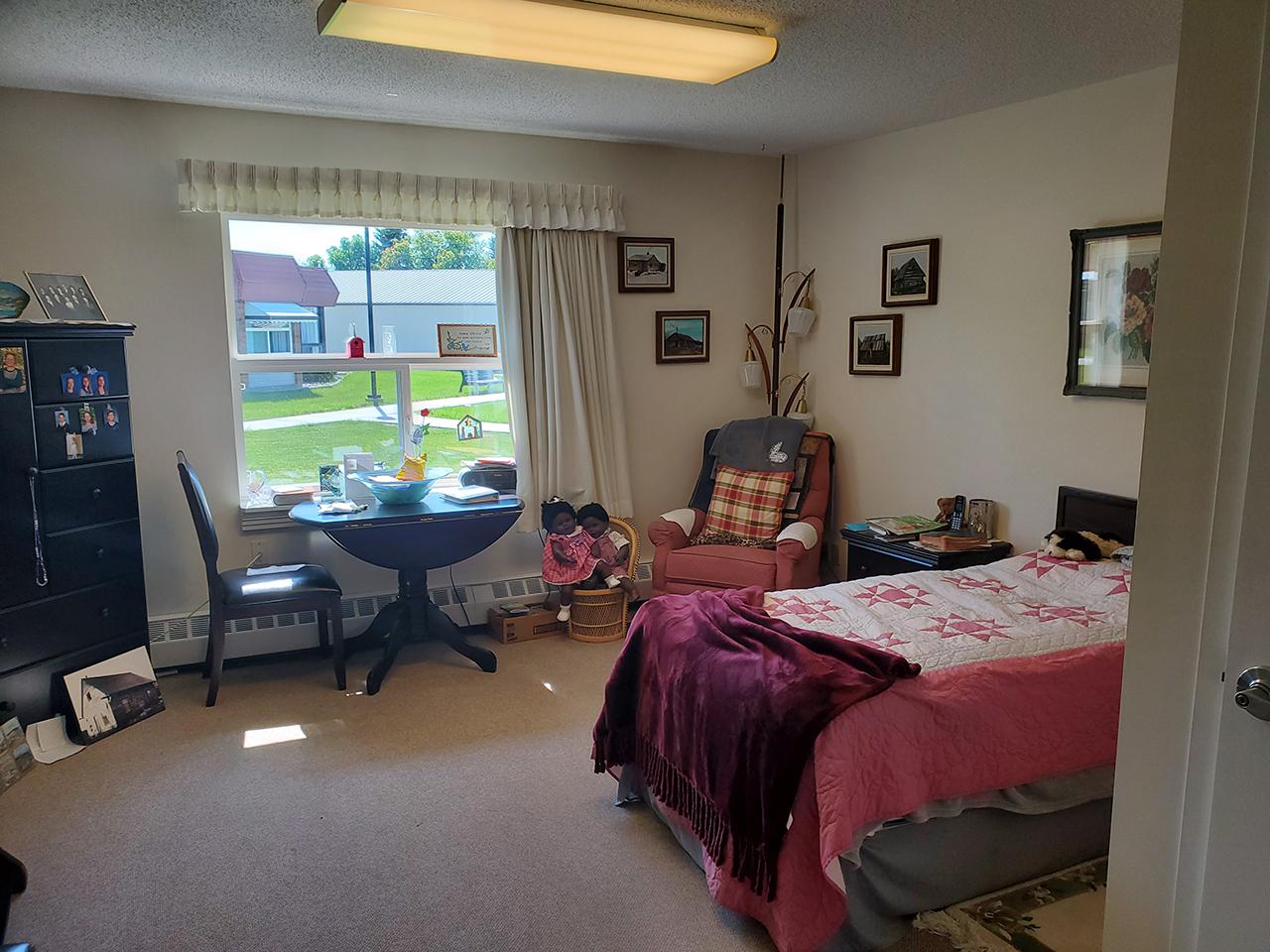 Tofield Lodge Large Bedroom 2